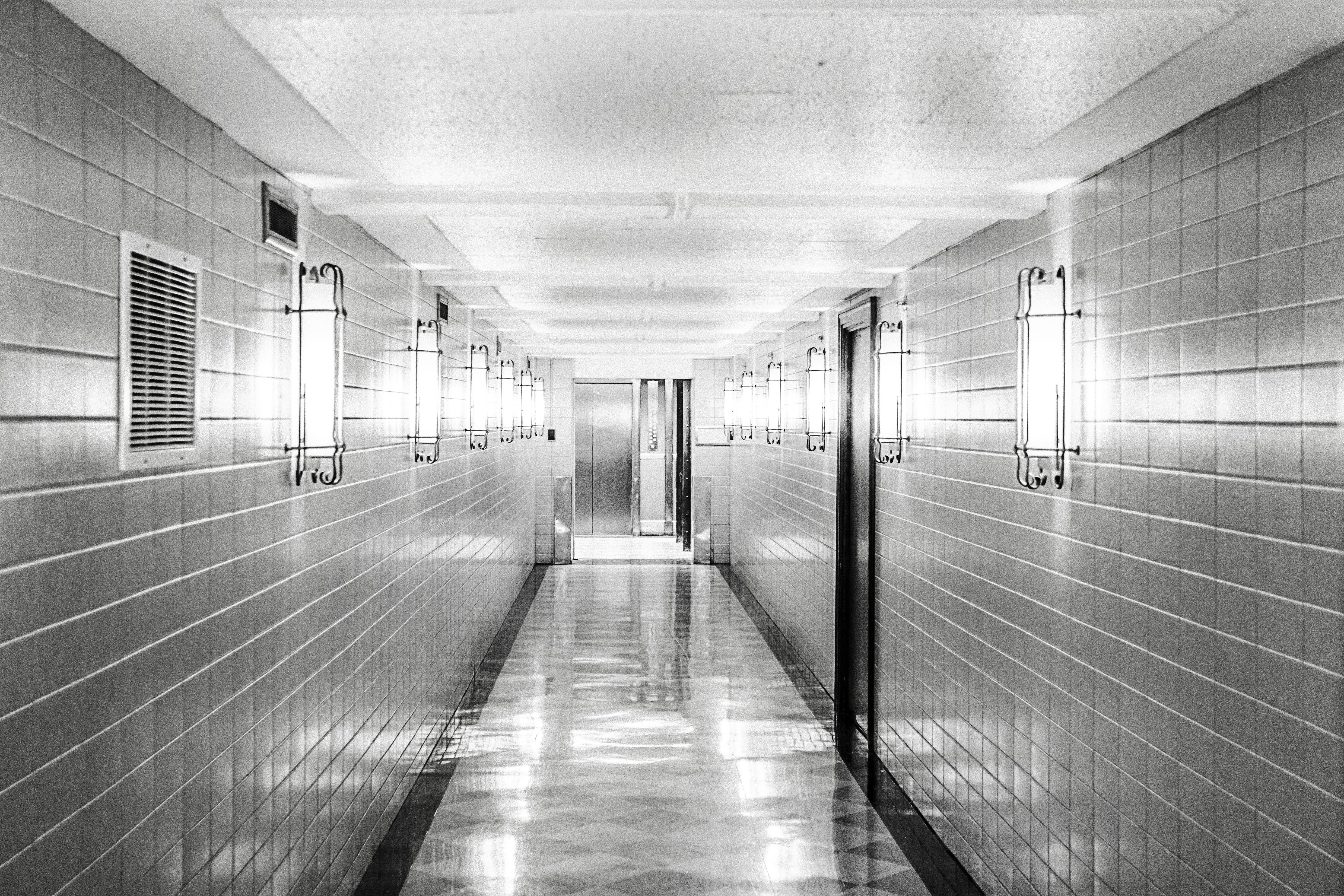 black-and-white-tiles-clean-corridor